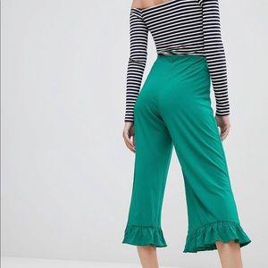 BRAND NEW ASOS DESIGN Petite pants. Size 00